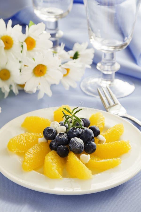 Salada de fruto deliciosa com laranjas, fotos de stock royalty free