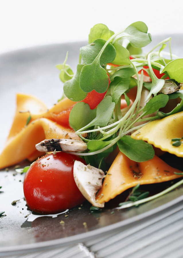 Salada de massa fotografia de stock royalty free