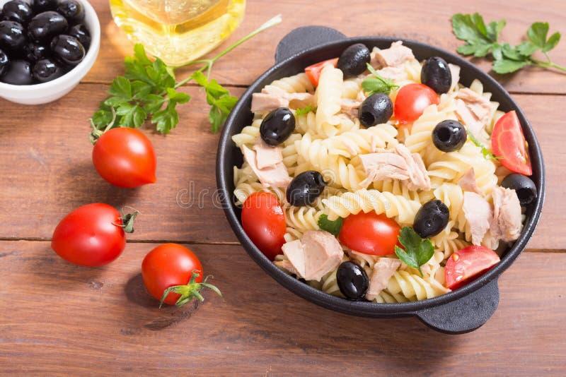 Salada de massa com atum foto de stock royalty free