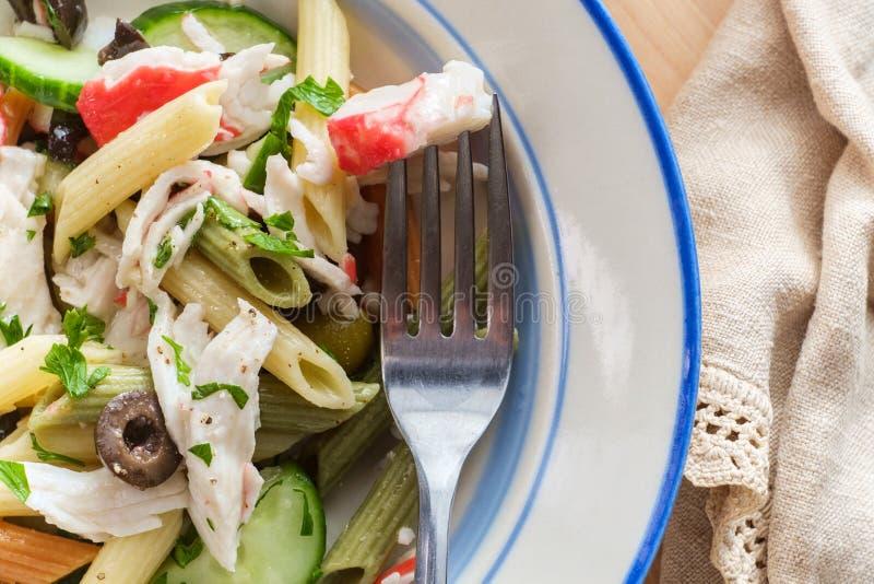 Salada de massa do marisco foto de stock