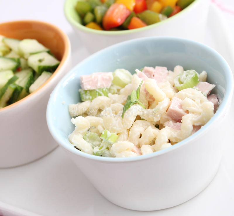 Salada de massa fresca fotografia de stock