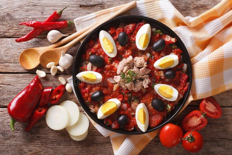 Salada de Mechouia do Tunisian e close-up dos ingredientes parte superior horizontal imagens de stock