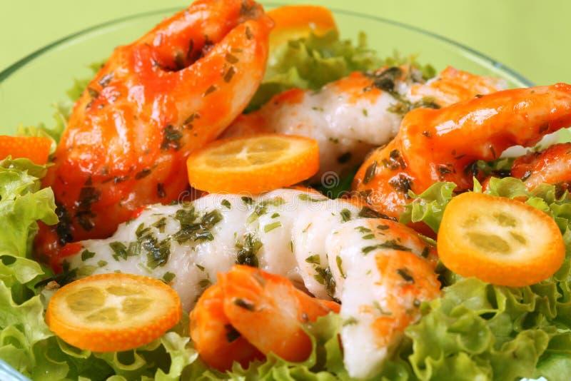 Salada de Surimi com kumquat imagens de stock royalty free