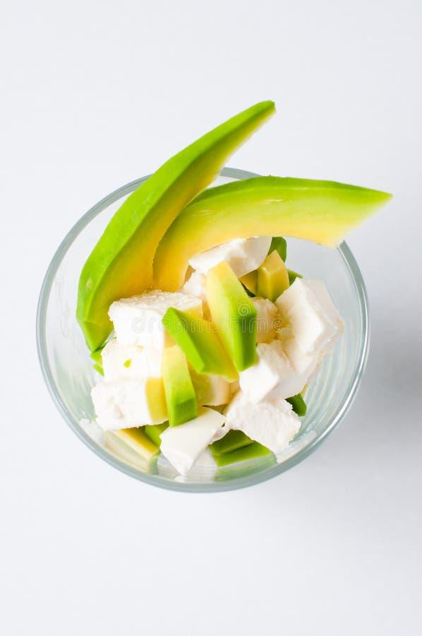 Salada do abacate e do queijo fotografia de stock royalty free