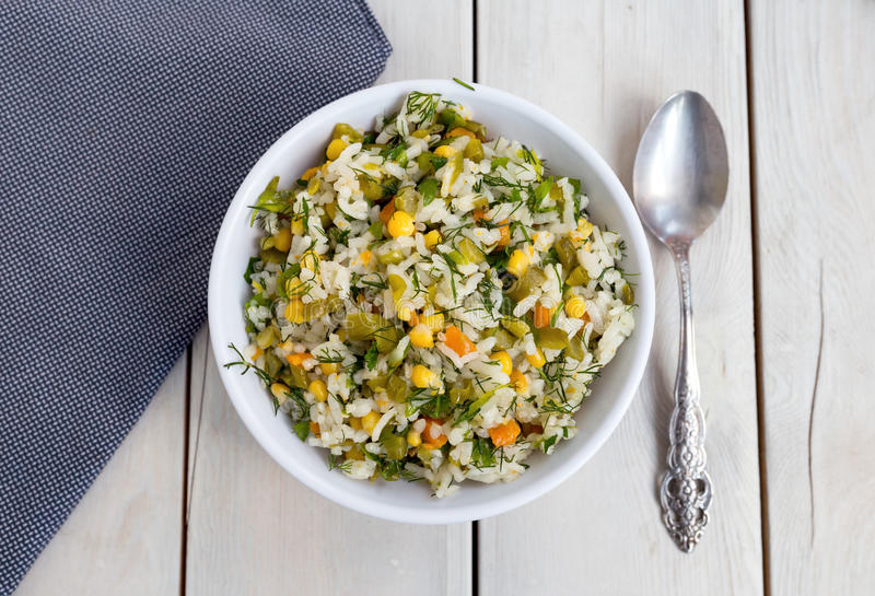 Salada do arroz e do vegetal foto de stock
