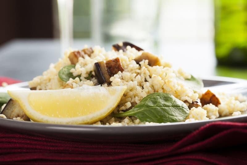 Salada do Bulgur horizontal fotografia de stock