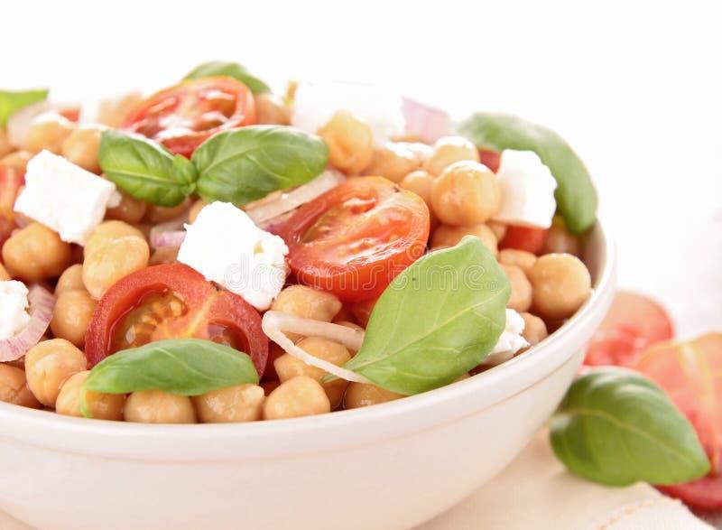 Salada do grão-de-bico fotografia de stock royalty free