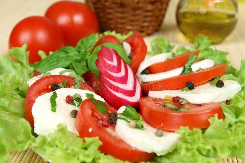 Salada do italiano de Caprese imagens de stock