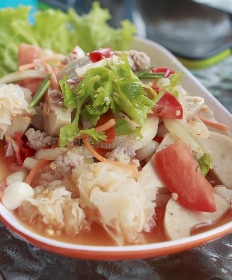 Salada do marisco com alimento picante e delicioso imagens de stock