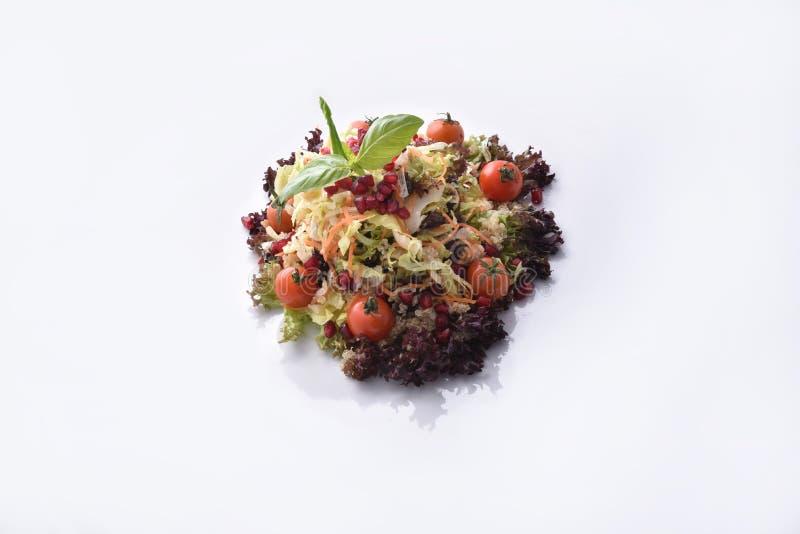 Salada do Quinoa com vegetais & romã foto de stock