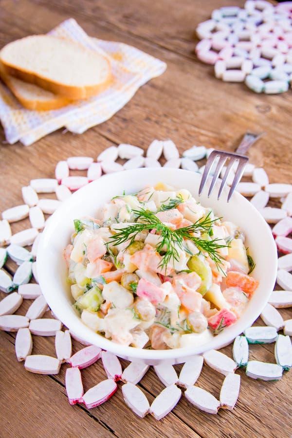Salada do russo mais olivier fotografia de stock royalty free