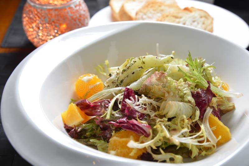 Salada dos espinafres imagem de stock