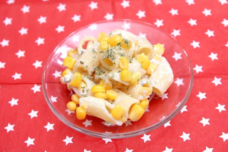 Salada dos macarronetes fotografia de stock royalty free