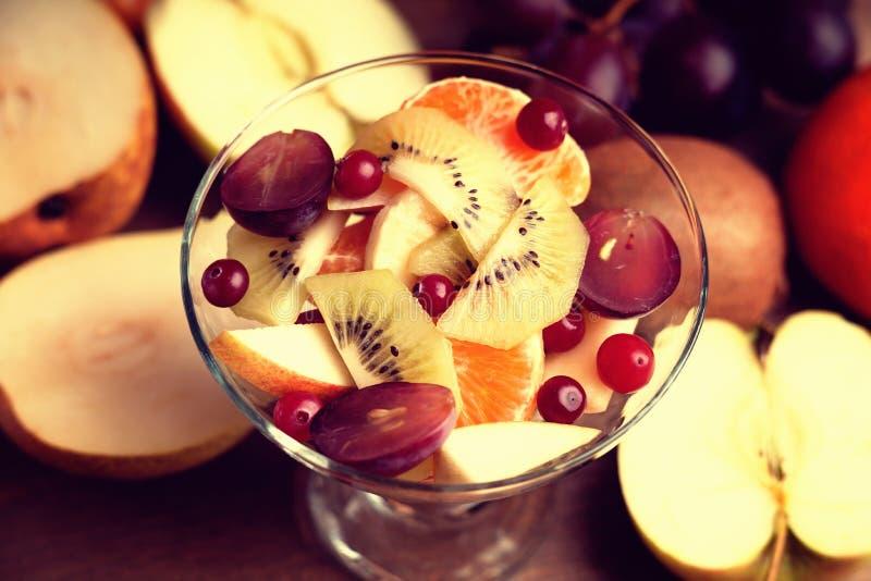 Salada e frutos de fruto imagem de stock royalty free