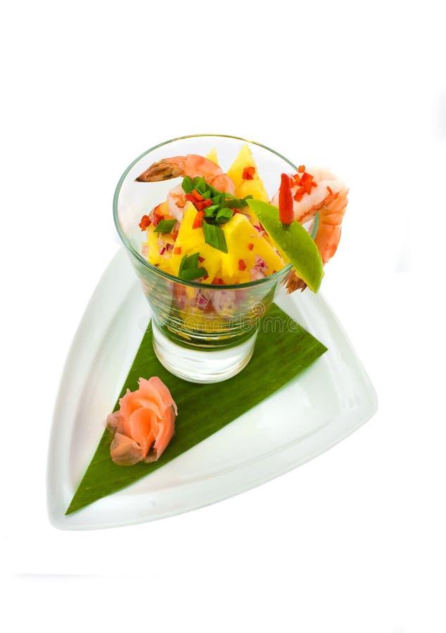 Salada exótica fresca do coctail do marisco fotografia de stock royalty free