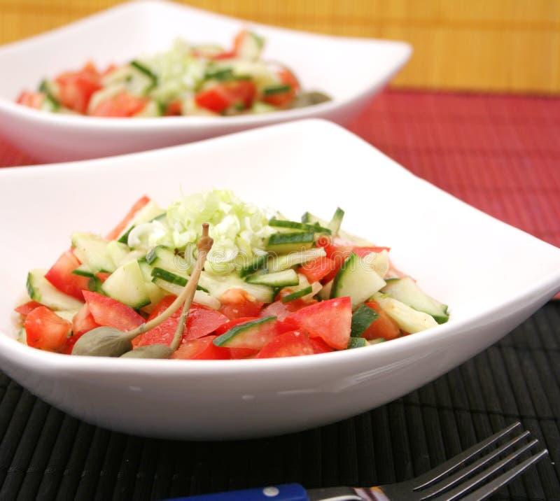 Salada fresca com alcaparras fotos de stock royalty free
