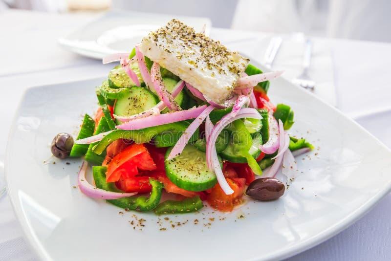 Salada grega, culinária de Grécia - Atenas fotos de stock