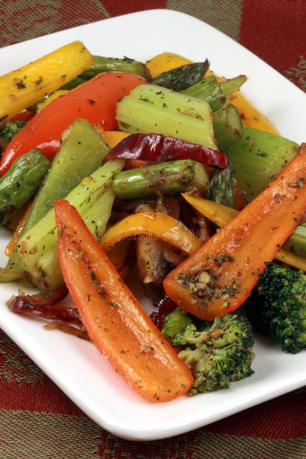 Salada grelhada dos vegetais imagens de stock