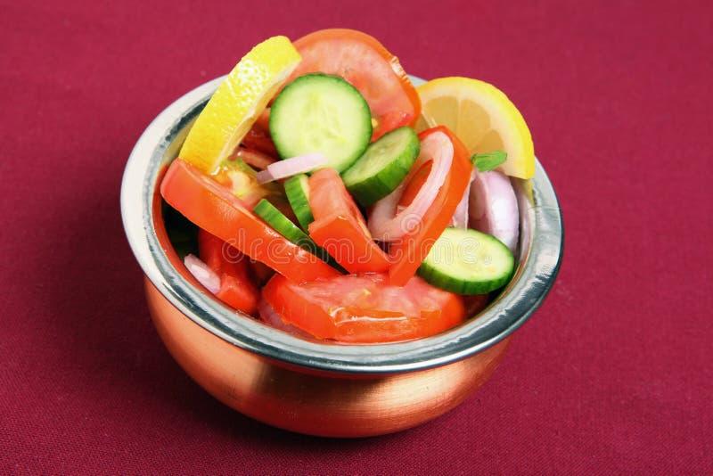 Salada indiana do estilo fotografia de stock royalty free