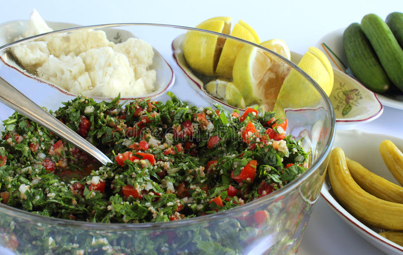 Salada libanesa - taboule foto de stock royalty free