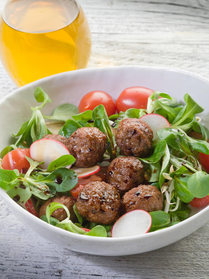 Salada misturada com vegetariano imagem de stock