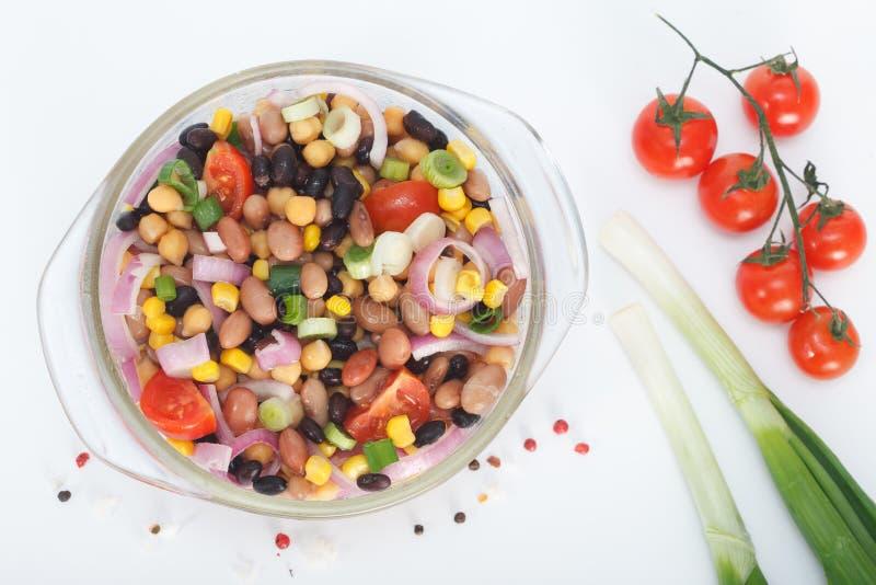 Salada misturada saudável dos feijões imagens de stock