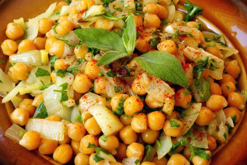 Salada morna marroquina dos grãos-de-bico fotografia de stock