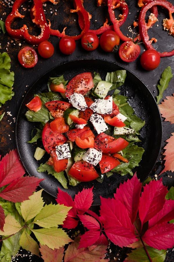 Salada orgânica de greece da dieta saudável fotos de stock