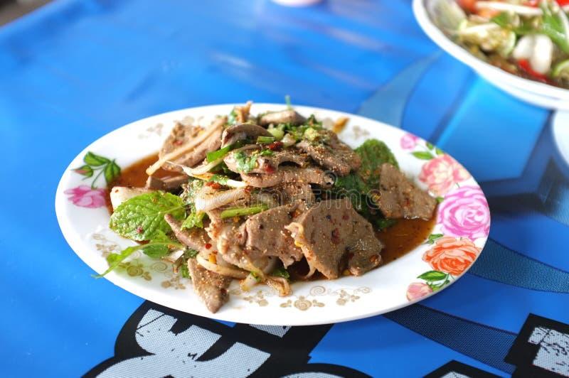 Salada picante do fígado da carne de porco imagens de stock