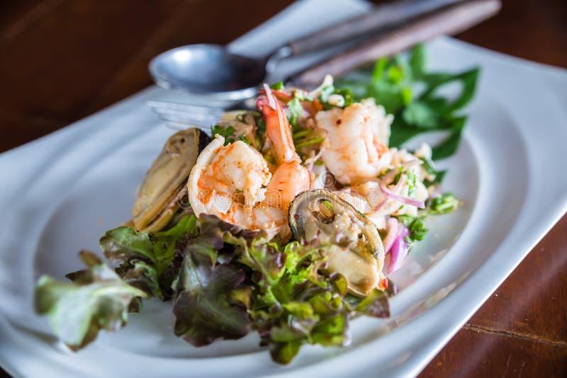 Salada picante do marisco imagem de stock royalty free