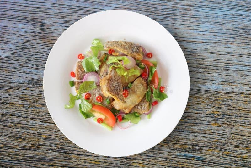 Salada picante frita de tricogaster pectoralis foto de stock
