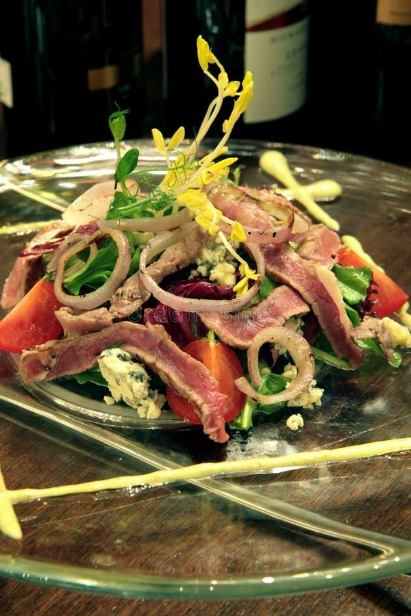 Salada rara média do sirloin imagem de stock royalty free