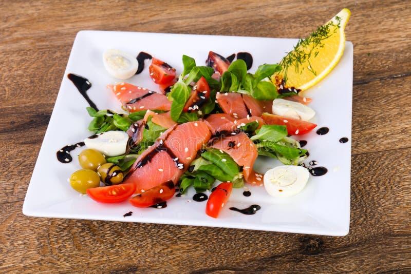 Salada Salmon com ovos fotos de stock