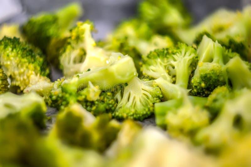 Salada saud?vel com br?colis fotografia de stock