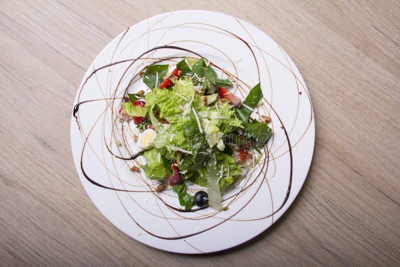 Salada saud?vel e nutritivo fotos de stock royalty free