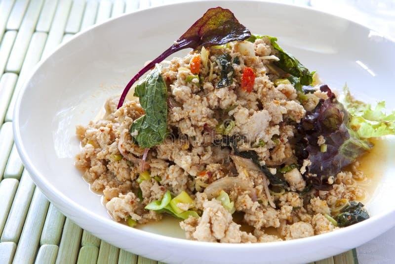 Salada tailandesa da galinha de Larb foto de stock