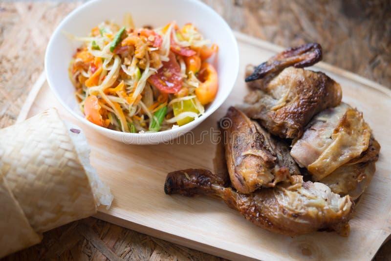 Salada tailandesa famosa da papaia do alimento foto de stock royalty free
