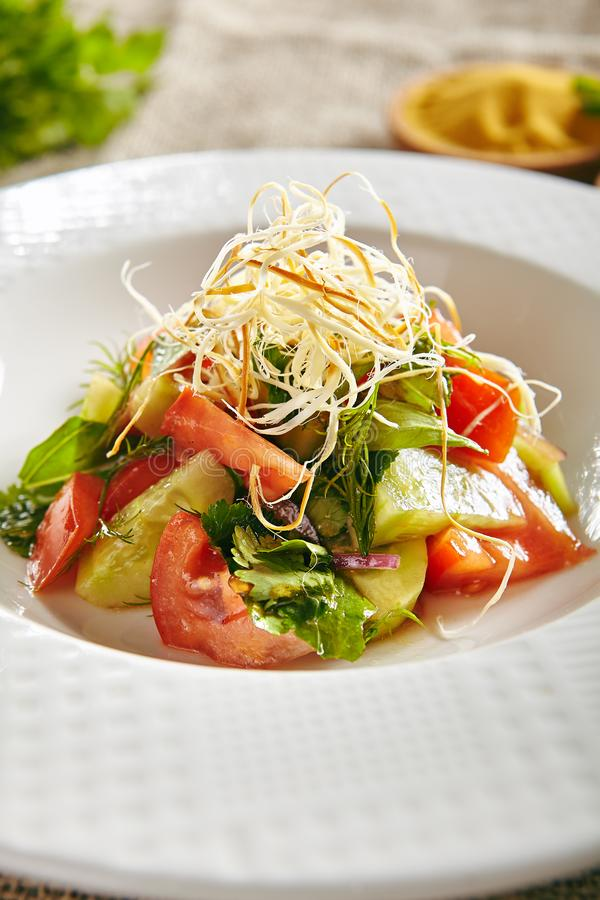 Salada Vegetariana com Fitas foto de stock royalty free