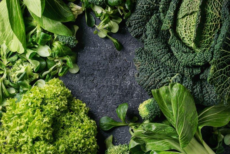 Saladas verdes e couve fotografia de stock