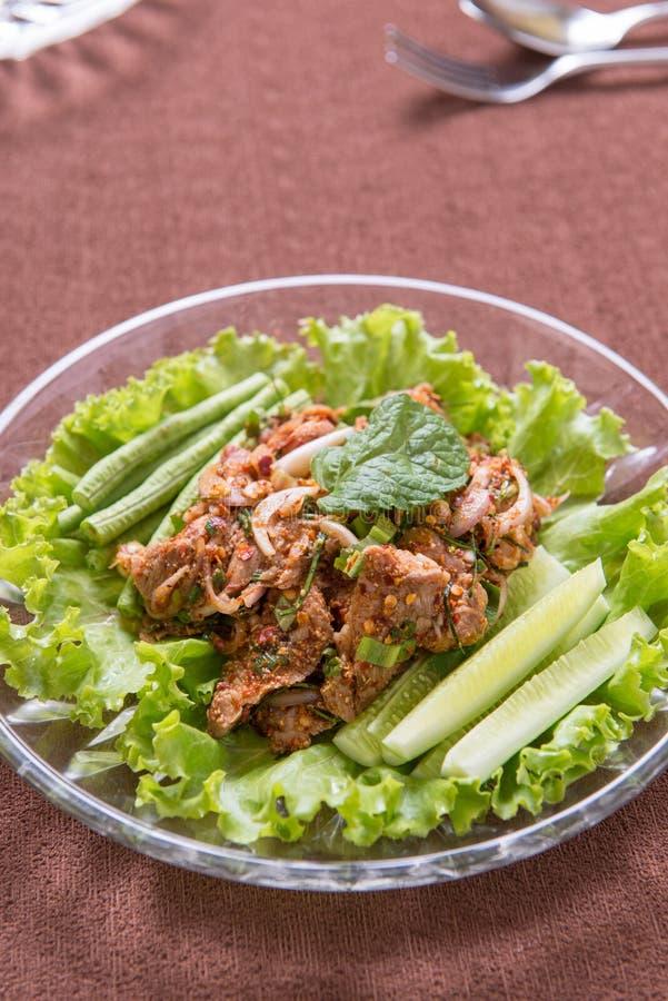 Salade épicée de porc photos stock