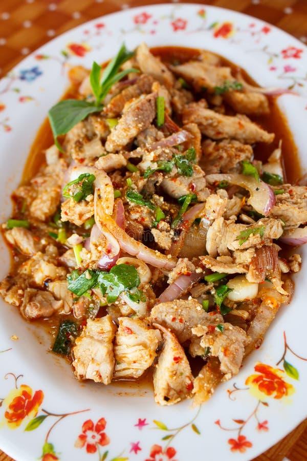 Salade épicée de porc, nourriture thaïlandaise image stock