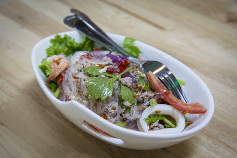 Salade épicée de vermicellis photo libre de droits