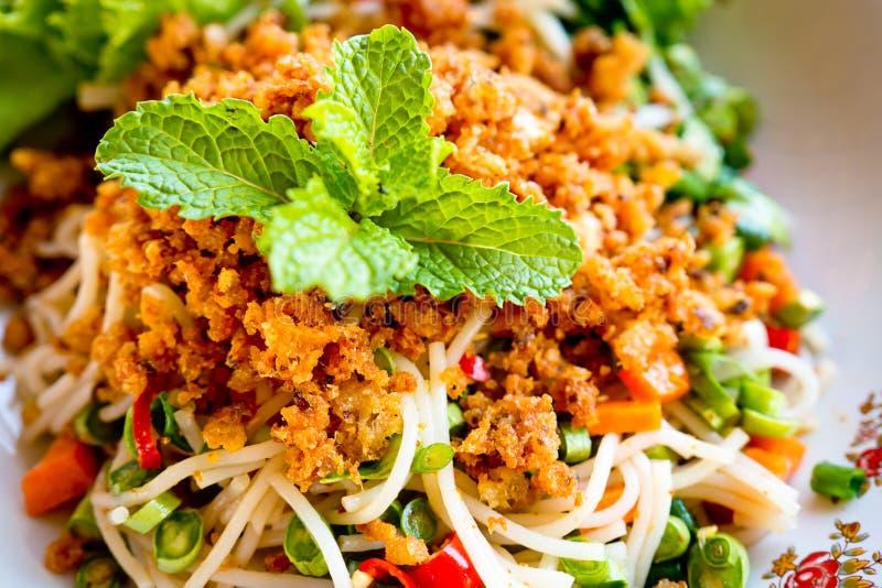 Salade épicée de vermicellis de riz photos libres de droits