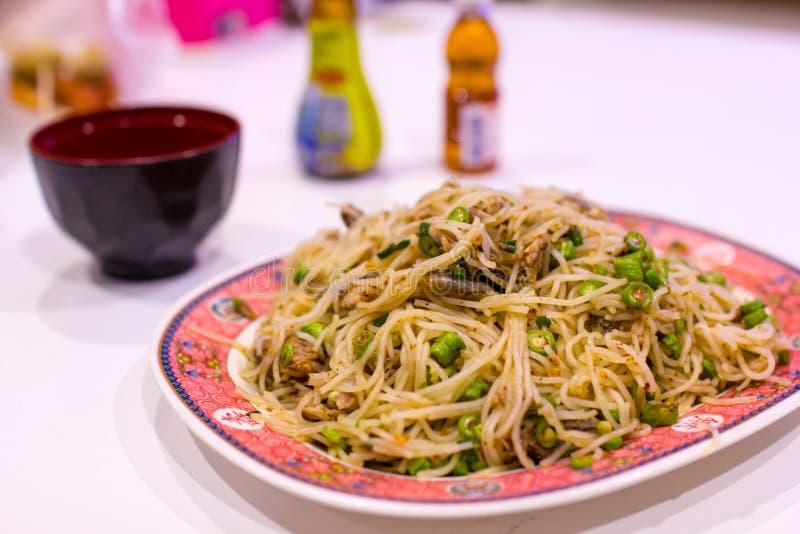 Salade épicée de vermicellis de riz photos stock