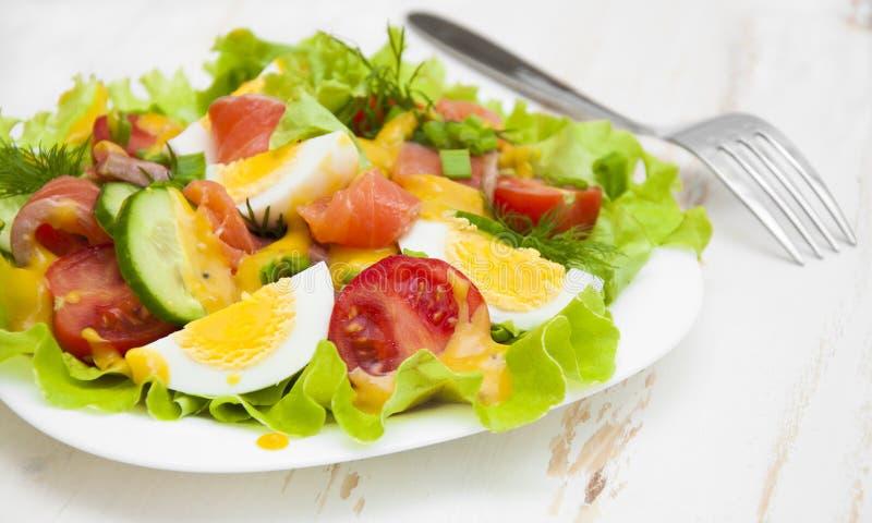Download Salade stock afbeelding. Afbeelding bestaande uit kruid - 54084233