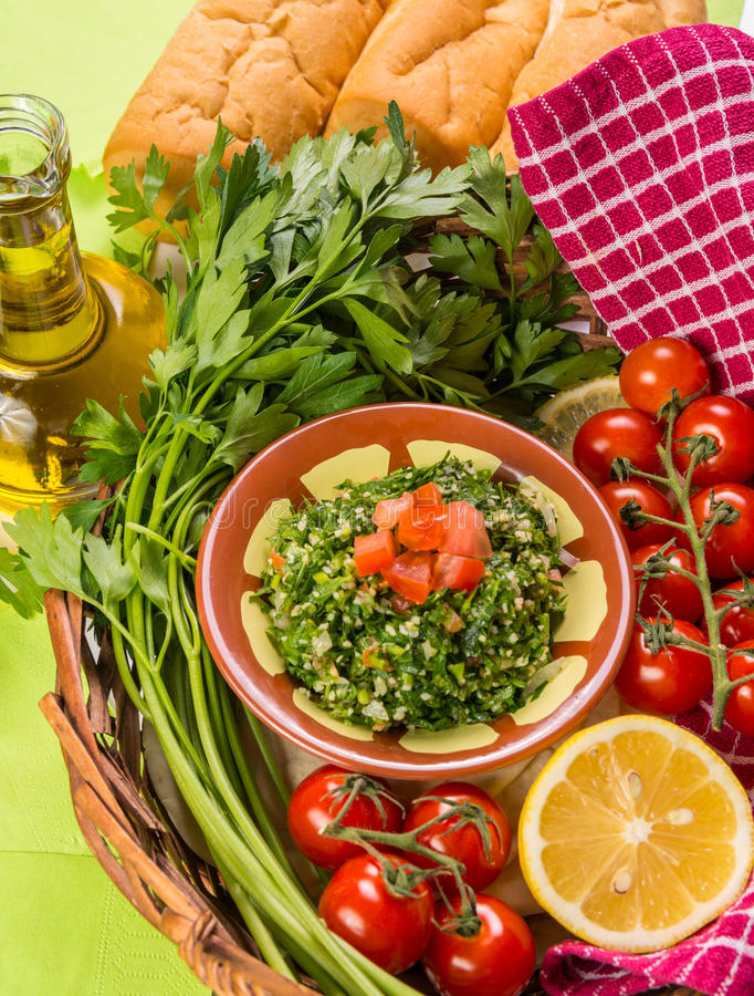 Salade Arabe de persil - Tabouleh photographie stock libre de droits