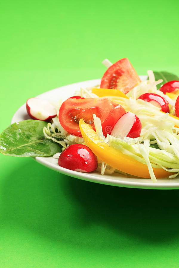 Salade avec le chou image stock