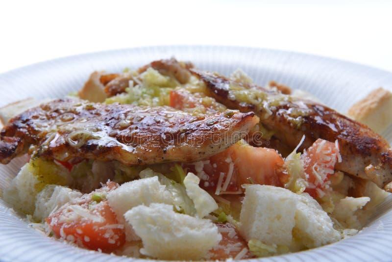 Salade avec le croûton et la viande images stock