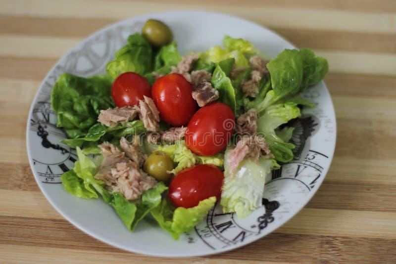 Salade avec le thon photos libres de droits
