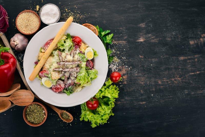 Salade César au boeuf images stock